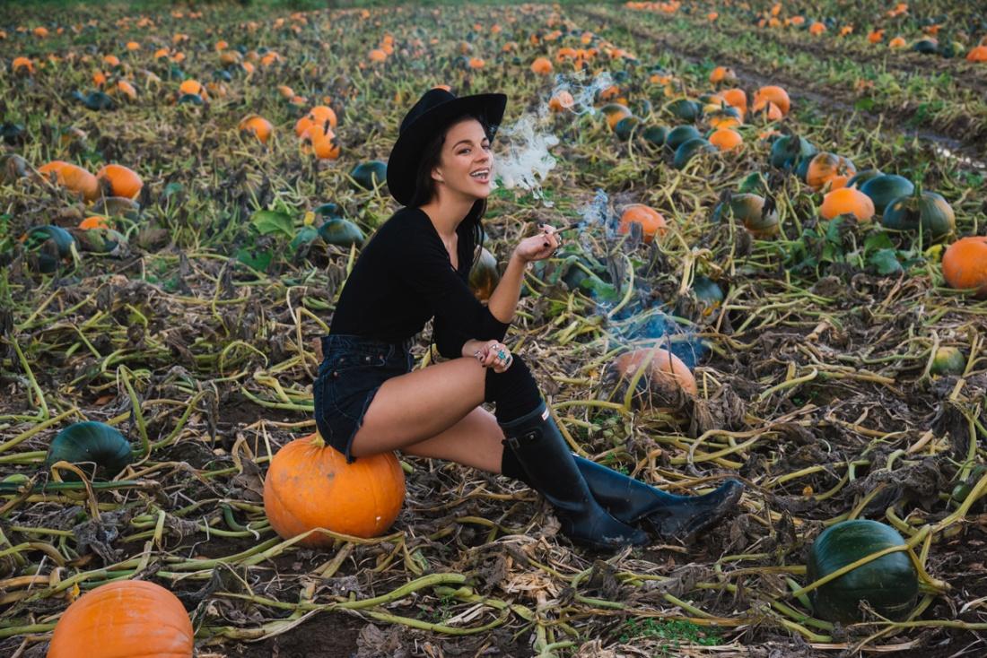 cannabess-halloweed-6